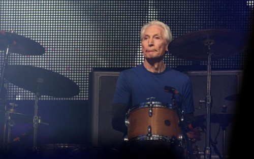 [Morre Charlie Watts, baterista do Rolling Stones, aos 80 anos]